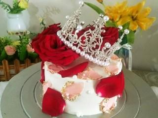 鮮花皇冠蛋糕,裝飾在蛋糕上