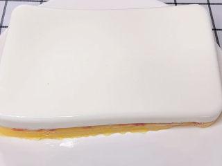 三色果凍,做好的果凍倒扣至盤中