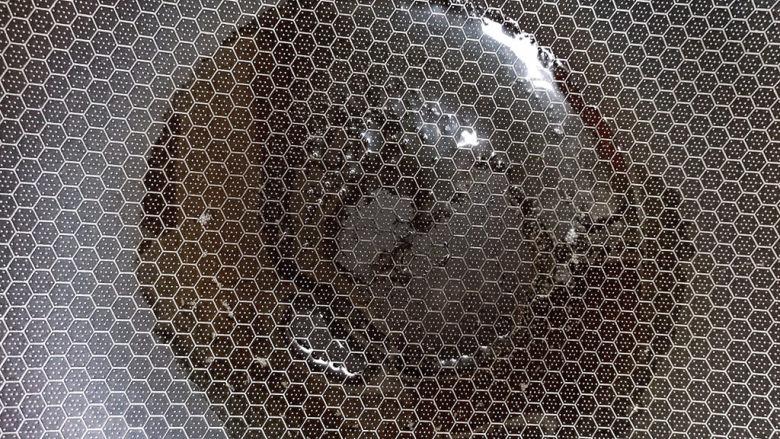 玉米炒饭,锅中放油