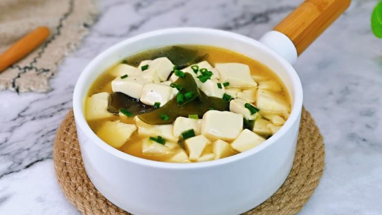 海带豆腐汤,我家宝贝最爱。