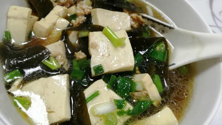 海带豆腐汤,成品图