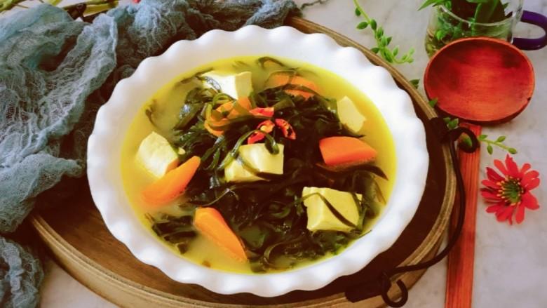 海带豆腐汤,出锅 非常鲜美