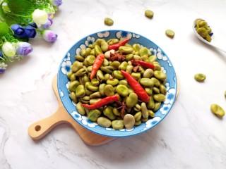 五香蚕豆,上桌。