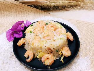 酱油海鲜炒饭