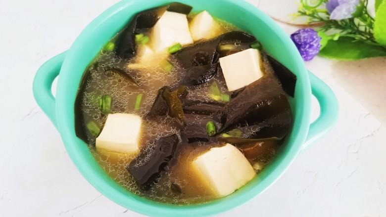 海带豆腐汤,海带豆腐汤成品图