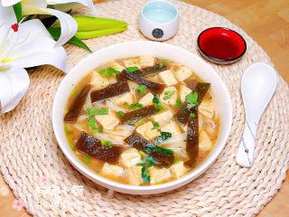 海带豆腐汤,鲜美极了!吃起来吧!