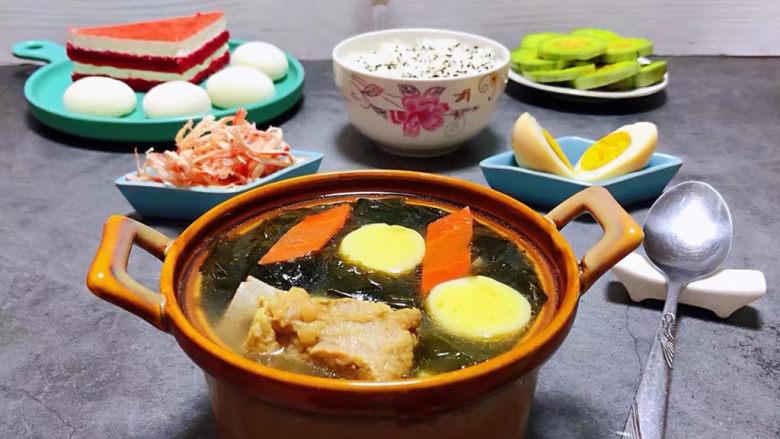 海带豆腐汤,普通的食材用心去搭配做出来就是健康美味佳肴噢