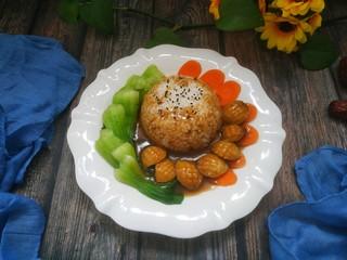 鮑魚撈飯,把湯汁淋到鮑魚蔬菜和米飯上即可。