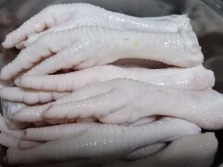 百香果柠檬鸡爪,用凉水再洗一次