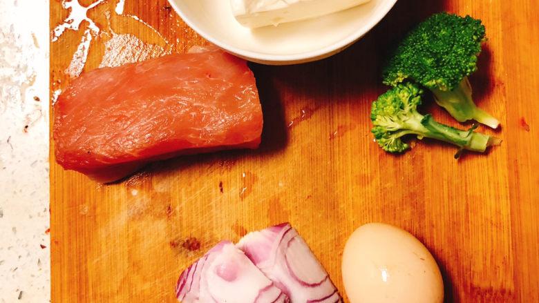 宝宝鲜肉豆腐,所需食材如图