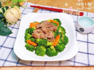 西兰花炒牛肉,营养均衡的西兰花炒牛肉上桌了!