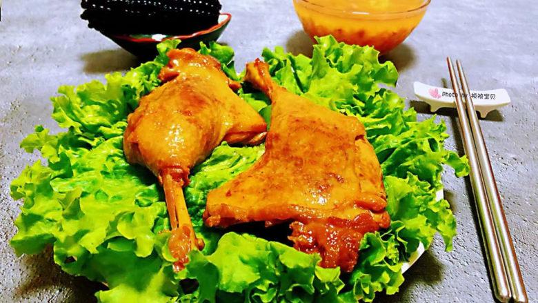 红烧鸭肉,搭配玉米和绿豆粥一起吃美味无比