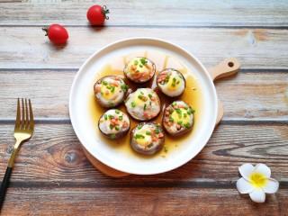 香菇鹌鹑蛋,香菇酿鹌鹑蛋完成。