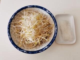 豆芽炒粉条,绿豆芽和粉条