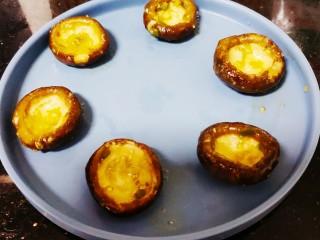 香菇鹌鹑蛋,先捞出香菇