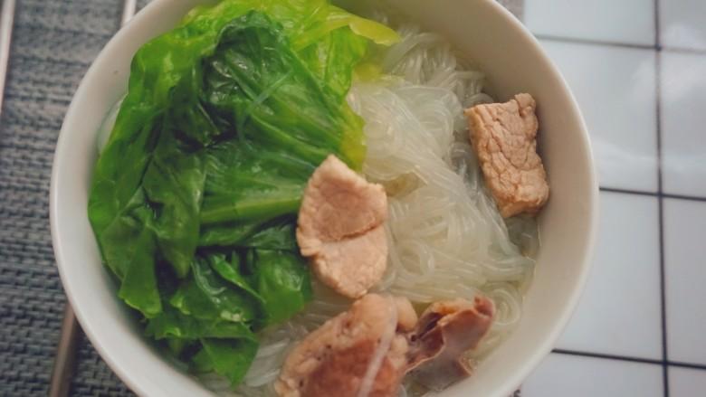 猪杂汤米线