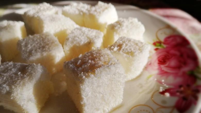 椰奶小方【零失败】,绵软浓香,清甜爽口。