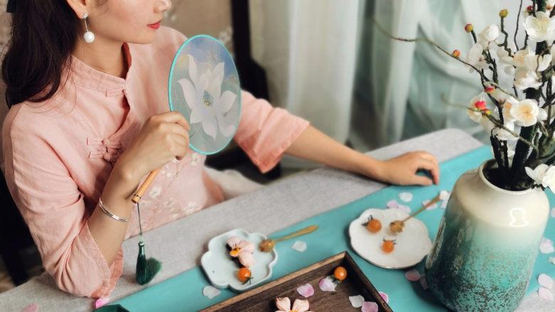 三生三世十里桃花酥,颜值与美味并存,美到醉~~,炊烟小女子泡上一壶花茶,翻看着喜欢的书籍,品尝一块桃花酥,真是美哉美哉。
