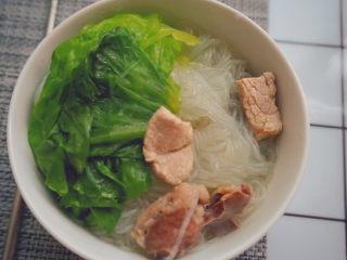 猪杂汤米线,一道方便美味的猪杂汤米线就做好啦~