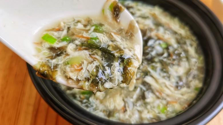 紫菜虾皮汤,喜欢的试试吧。