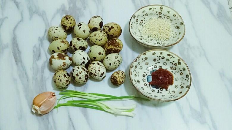 红烧鹌鹑蛋,准备好需要的食材