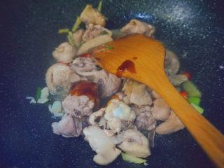三黄鸡炖土豆,1勺蚝油