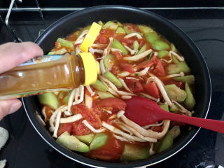 番茄炒丝瓜➕一川红绿醉春时,一茶匙太太乐鸡汁