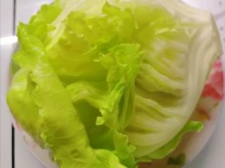 蔬菜饭包,圆生菜叶洗净备用