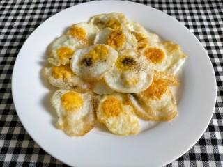 红烧鹌鹑蛋,盛出备用
