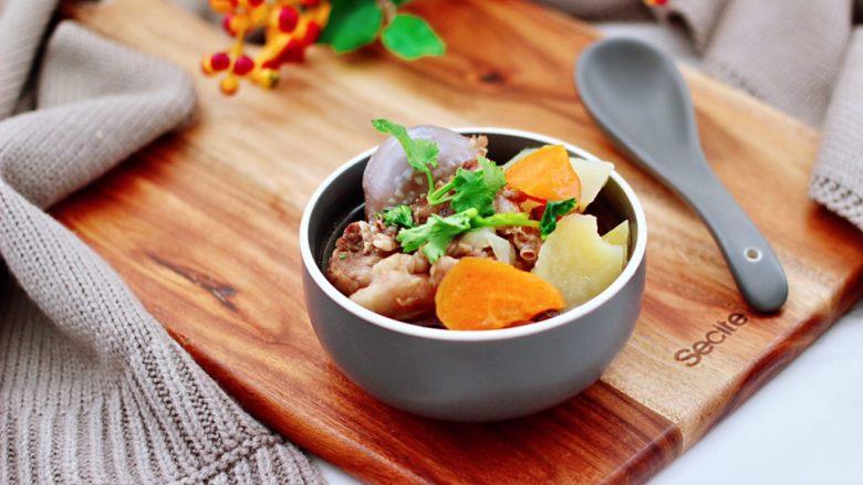 筒骨土豆胡萝卜汤,成品