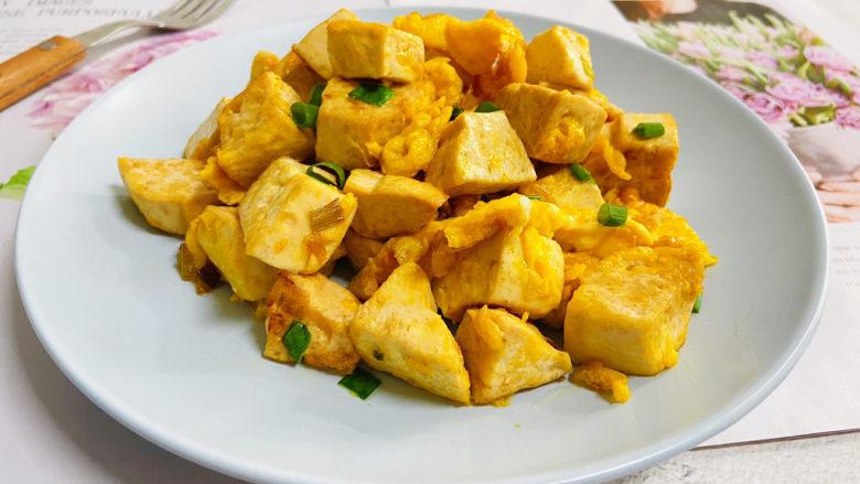 豆腐炒鸡蛋,豆腐炒鸡蛋鲜香美味