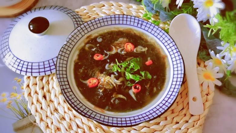 紫菜虾皮汤,盛出食用