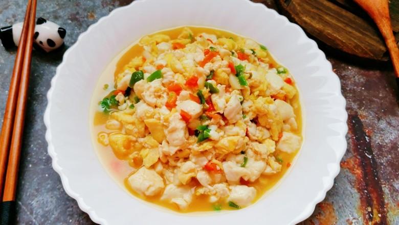 豆腐炒鸡蛋,看着就很美味的豆腐炒鸡蛋完成,是不是很有食欲。