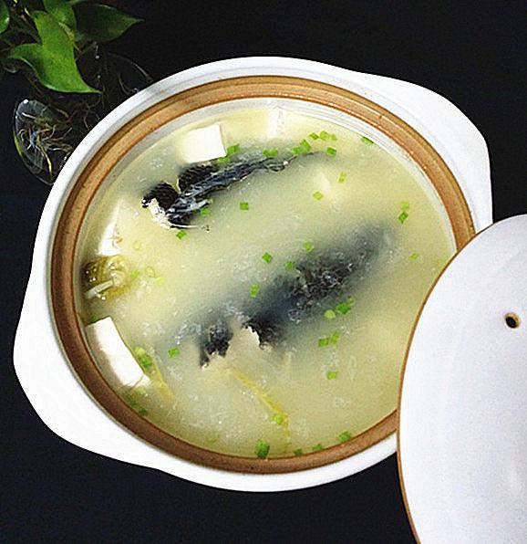黑鱼豆腐汤,汤汁浓郁,鱼肉鲜香