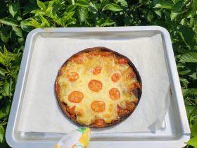 秀气番茄脆底披萨