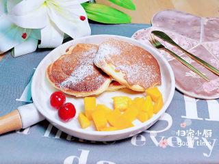 平底锅舒芙蕾,蓬松柔软的舒芙蕾蛋糕上桌了!