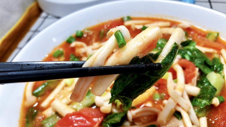 素炒白玉菇➕番茄小白菜烩白玉菇,这道菜做法简单,咸鲜味浓,白玉菇滑嫩,裹着浓郁的番茄汁,好吃开胃,喜欢的小伙伴们快来试试吧😄