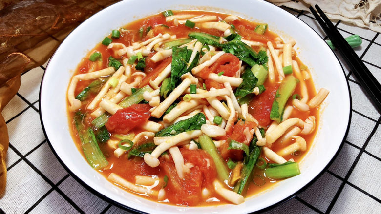 素炒白玉菇➕番茄小白菜烩白玉菇,成品