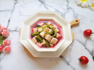 苋菜豆腐汤,特别漂亮的一道汤。