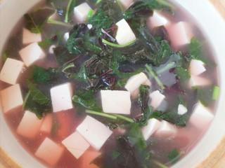 苋菜豆腐汤,煮2分钟关火。
