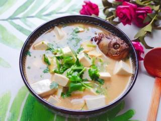 豆腐鱼头汤,营养丰富味道好