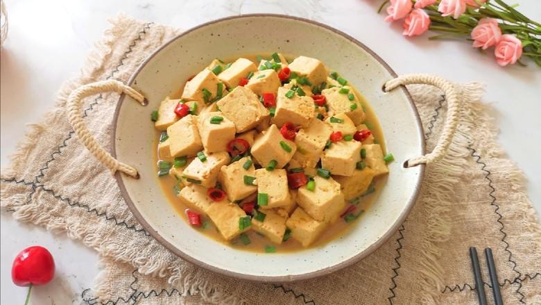 家常烧豆腐,酱香味十足的老豆腐。