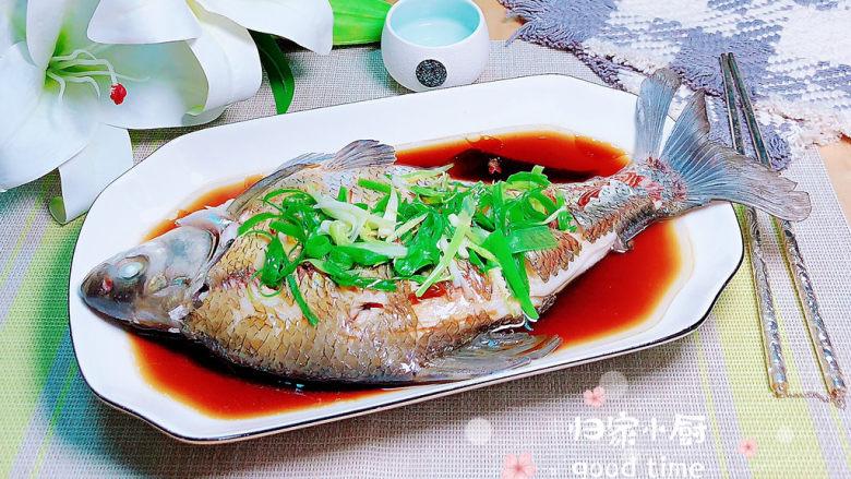 葱油鳊鱼,肉质细腻,嫩极了!