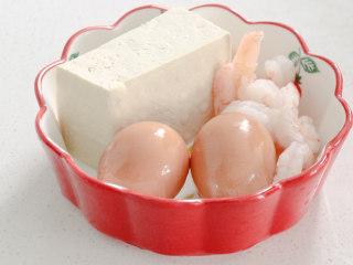 豆腐蒸蛋,准备好食材