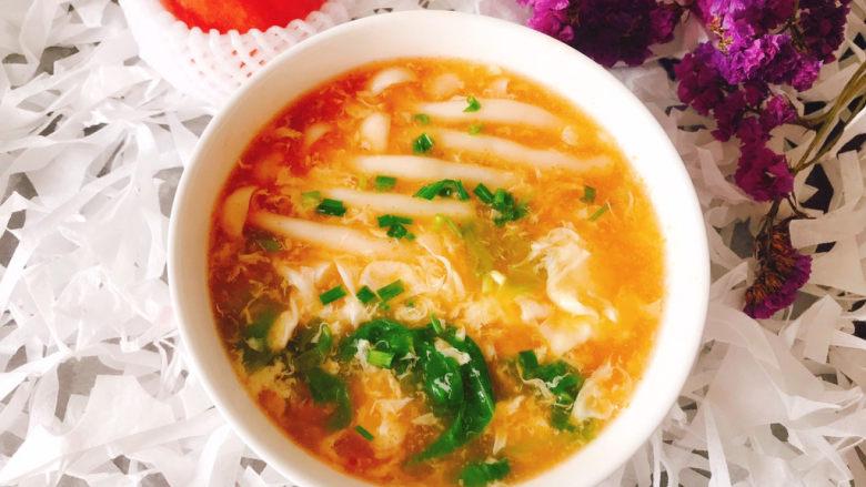 白玉菇鸡蛋汤,盛入碗中撒上葱花即可食用