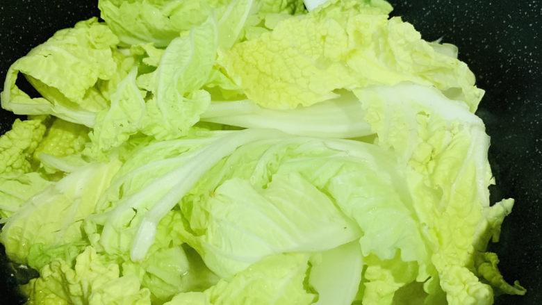 白菜炖豆腐,加白菜