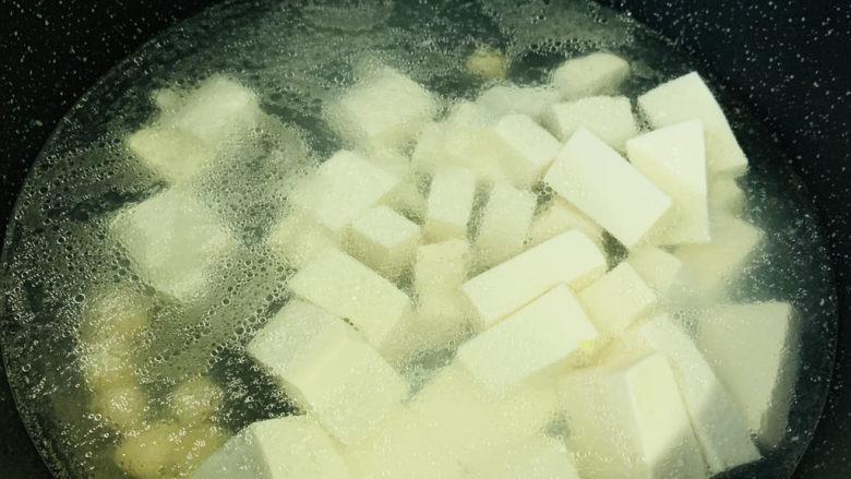 白菜炖豆腐,加豆腐