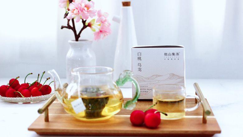 乌龙茶香卤鸡蛋,搭配上好喝方便零添加的白桃乌龙茶,完美