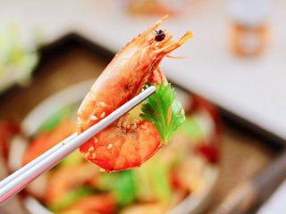 海鲜杂蔬麻辣香锅,鲜辣味香浓郁,一口一个停不下来。