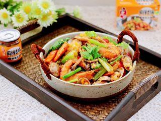 海鲜杂蔬麻辣香锅,下饭又下酒,好吃到哭,每次做一锅不够吃哟~